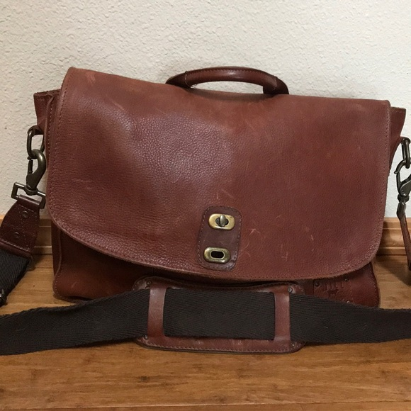 Will Leather Goods Bags   Kent Messenger Bag   Poshmark ebb55982a0